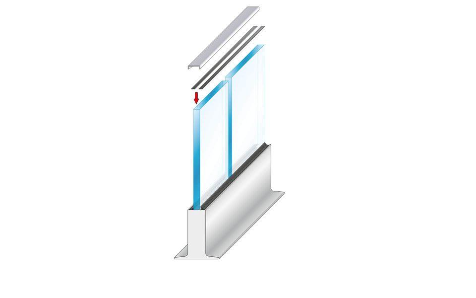 Wind- und Sichtschutz Davento von Glassline - Aufkleben des Glaskantenschutzprofils