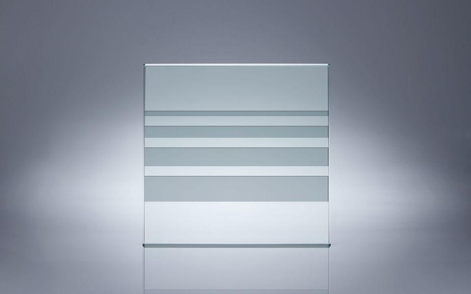 Wind- und Sichtschutz Davento von Glassline - Glasbeispiel dicke Streifen