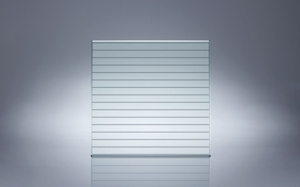 Wind- und Sichtschutz Davento von Glassline - Glasbeispiel Striche