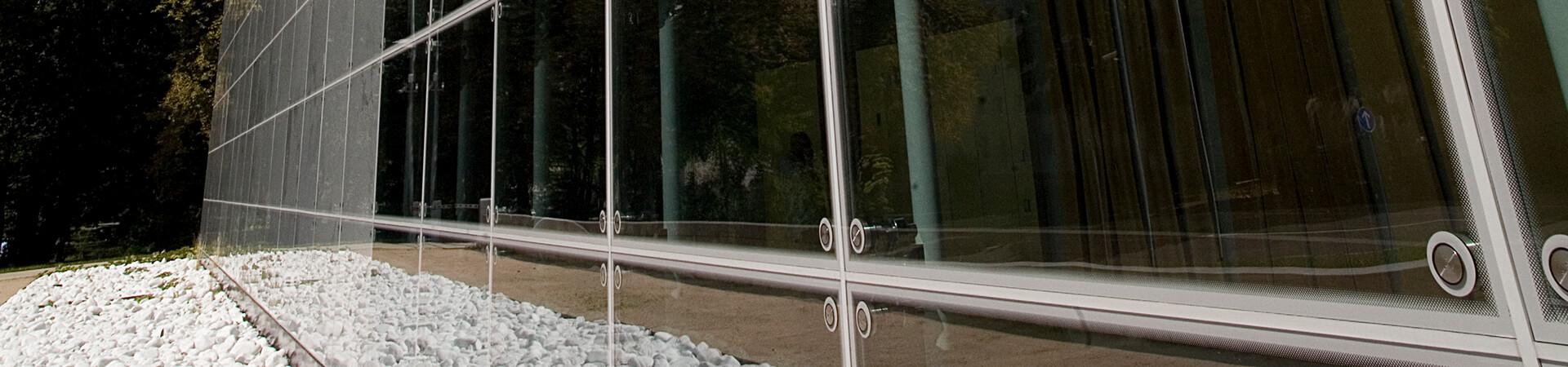 punkthalter spider glasverbinder glasbefestigungen von glassline. Black Bedroom Furniture Sets. Home Design Ideas